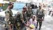 বান্দরবানে অসহায়,গরীবদের খাবার বিতরণকরছে সেনাবাহিনী