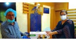 বান্দরবানেরপুলিশ প্রশাসনকে অক্সিজেন কনসেন্ট্রেটর দিলেন কাজল কান্তি দাশ