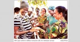বাংলাদেশের নারী কর্মকর্তাদের ভূয়সী প্রশংসা