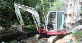 বান্দরবান পৌরসভার বিভিন্ন ওয়ার্ডে নালা পরিস্কার শুরু